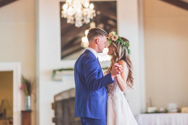 Den perfekta klänningen för ett bröllop i Las Vegas