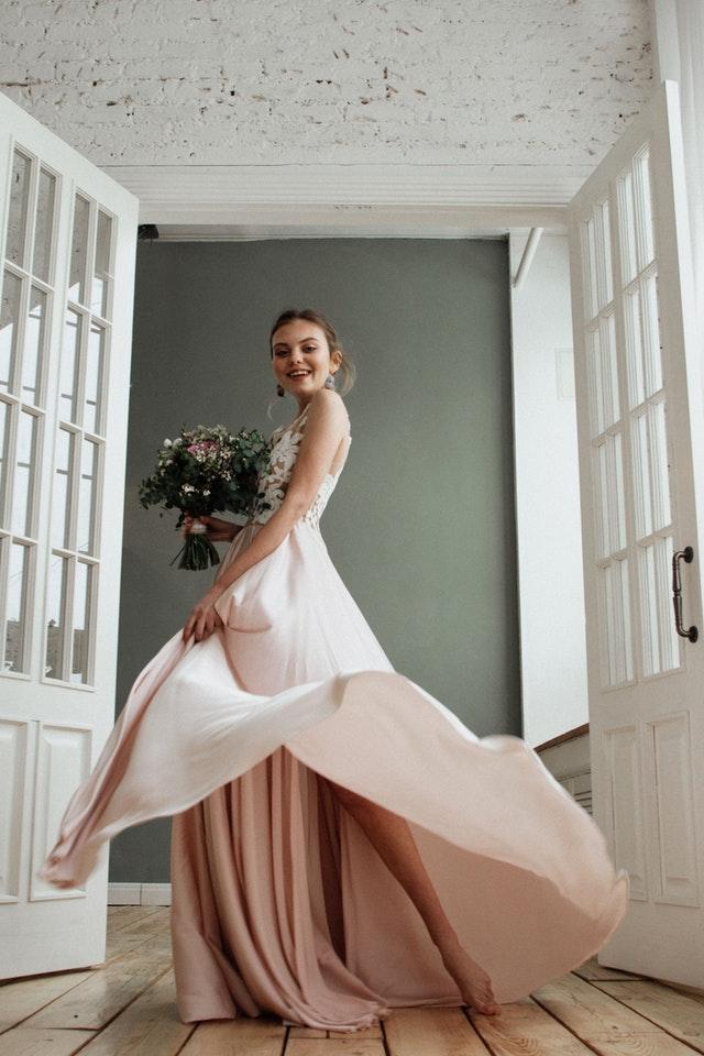 Klänningar för dig som ska gå på bröllop i vår